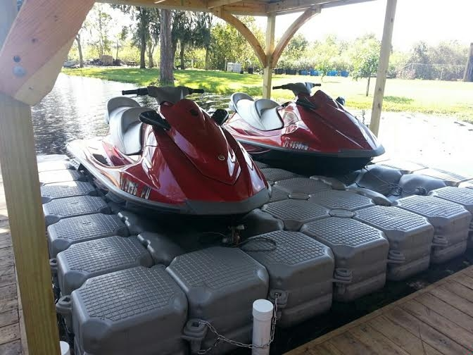 floating dock for jet ski.jpg
